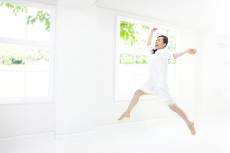 rollick: Woman to jump in the room