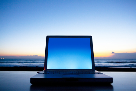 net trade: Laptop
