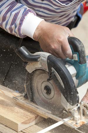 saws: Chain Saws