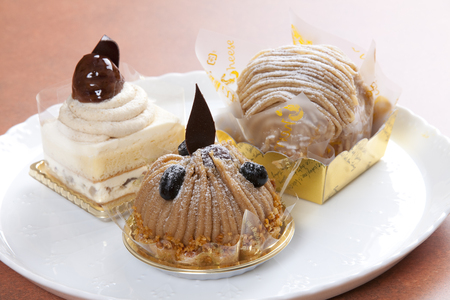 marron: Three kinds of marron cake