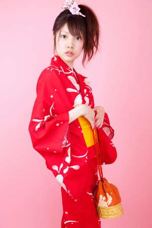 10s: Women wearing red yukata