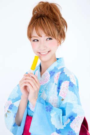 get dressed: Women dressed in yukata have pop ice