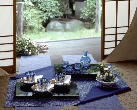 lacquerware: The glass tableware on top of the indigo on the veranda of the garden Stock Photo
