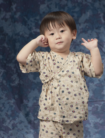 olds: 2 year olds of the half-length wearing a Jinbei