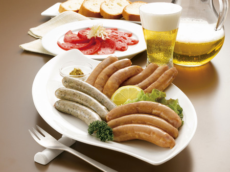 point and shoot: Beer and sausage