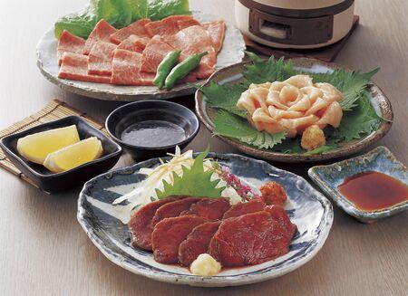 horse meat: Yonezawa beef sashimi and horse sashimi