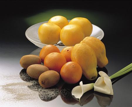 pitching: Fruit platter