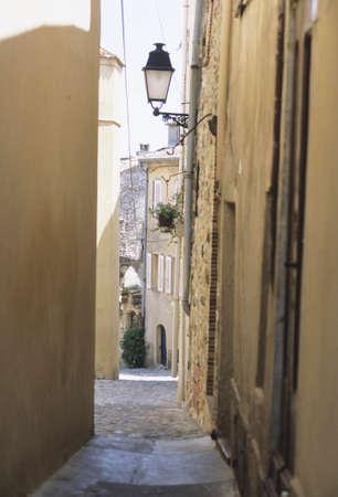ze: ze alley