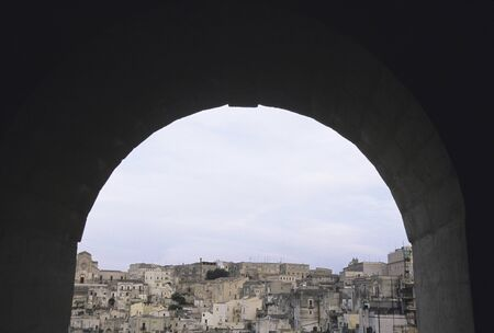 dwellings: Arch and cave dwellings
