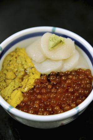 urchin: Sea urchin salmon roe scallop bowl