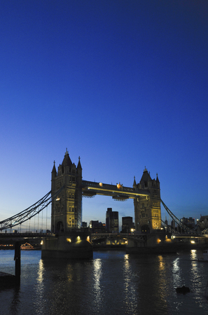 movable bridge: Tower Bridge at dusk