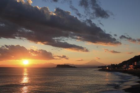 enoshima: The sea of dusk and Enoshima