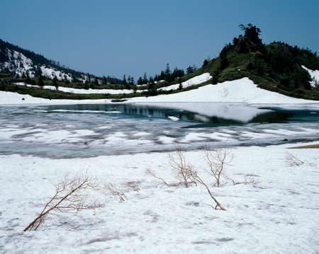 lingering: Of snow Yumiike