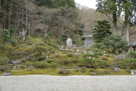 chubu: YorozuIsaotera garden