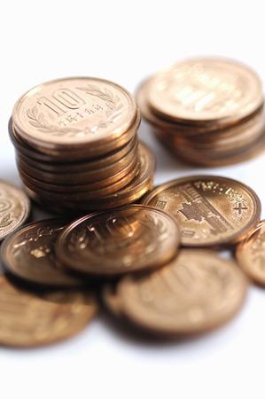 copper coin: 10 yen ball.