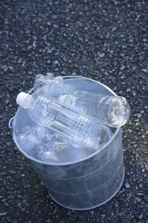 settling: PET bottles