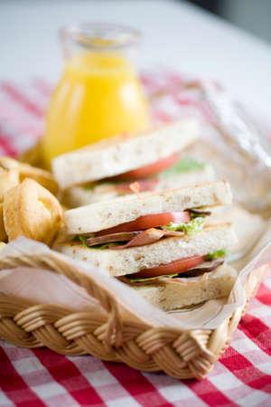 BLT サンドイッチ