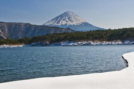 saiko: Fuji from West Lake