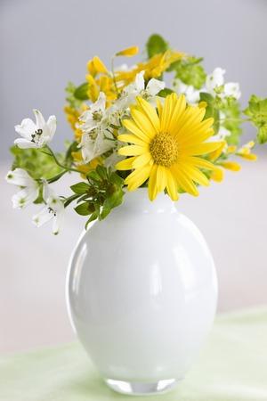 花瓶の花 写真素材