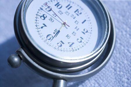 antique clock: Reloj antiguo