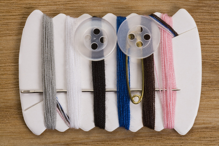 sewing kit: Kit de costura port�til Foto de archivo