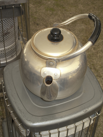 oil heater: Oil stove and kettle