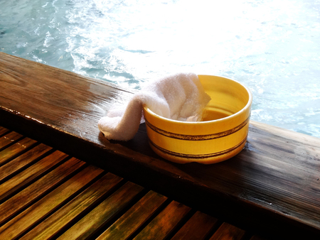 Hot spring bath pail and towels