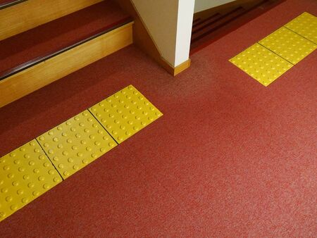 braille: Panel Braille de escaleras interiores