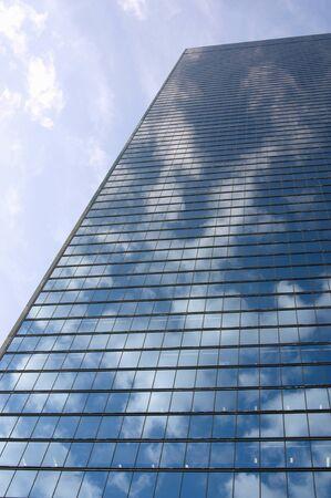 青い空と高層ビル 写真素材
