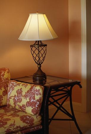 side lighting: Indoor lighting