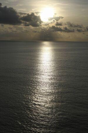 amanecer: Malaca Estrecho mañana la salida del sol