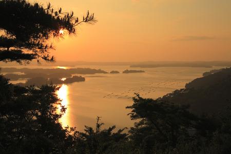 haiku: Sunset and evening scenery of Oku no hosomichi Matsushima