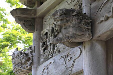 back gate: Kisakata Kanmanji temple gate sculpture