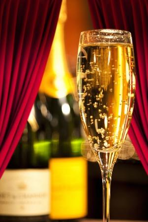 alchoholic drink: Champagne