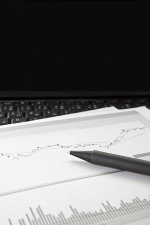 ballpoint pen: Materials and ballpoint pen
