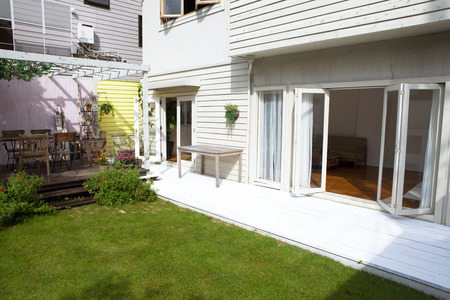 despacio: Jardín y porche jardín