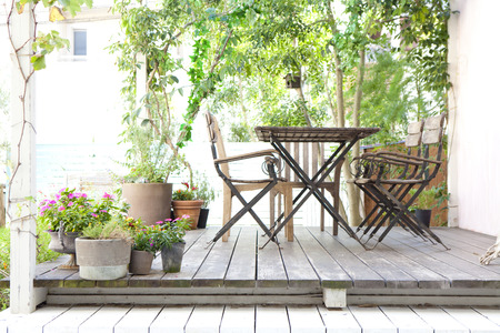 Jardín cubierta de madera Foto de archivo - 43494568