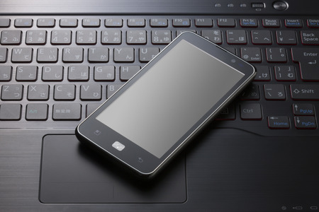 スマート フォンとノート パソコン
