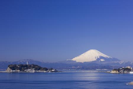 enoshima: Mt. Fuji and Enoshima