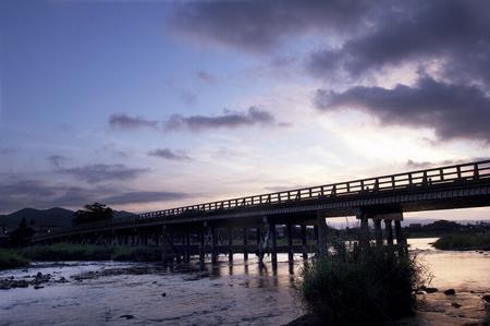 amanecer: El amanecer de Togetsu-Kyo Foto de archivo