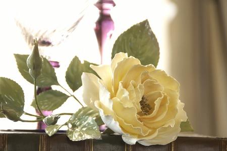 şarap kadehi: Wine glass and rose