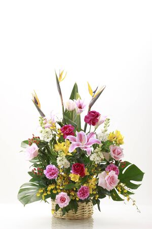 flower arrangement: Arreglo floral