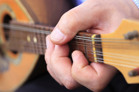 mandolino: Mandolin playing