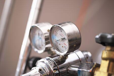atmospheric pressure: Bomb meter