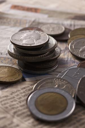 コインと新聞