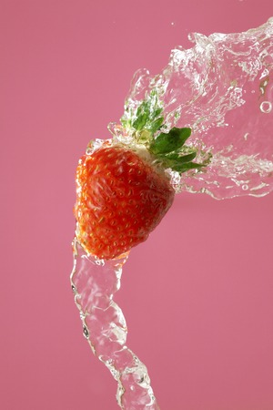bounce: Strawberry bounce to water