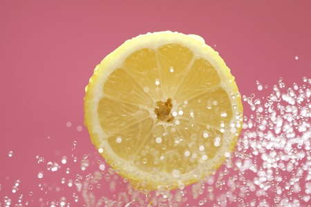 bounce: Lemon to bounce to water