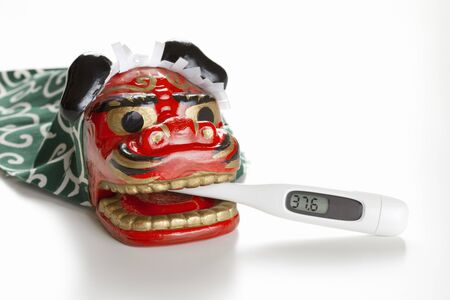 lion figurines: Lion dance and the thermometer