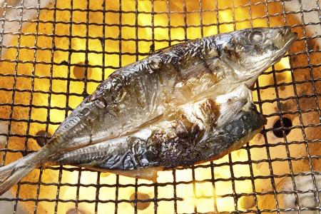 La parrilla de secado jurel pescado Foto de archivo