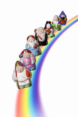 economic recovery: Seven Lucky Gods crossing the rainbow